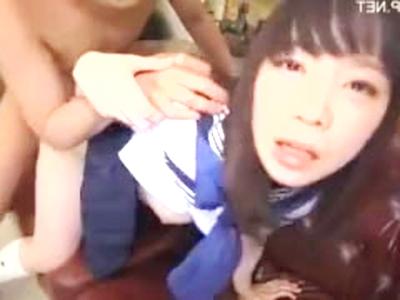 【JK】中年オヤジにパンティー脱がされたセーラー女子が後背位で取上げるされちゃう!