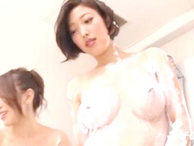 【即勃ち間違いなし!乱れまくる夜の営み図解】「今や不適格、イク!」優等巨乳可愛い女性が激プランジャーでおマンコ濡れ濡れ!